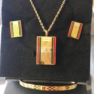 Gold designer jewelry set